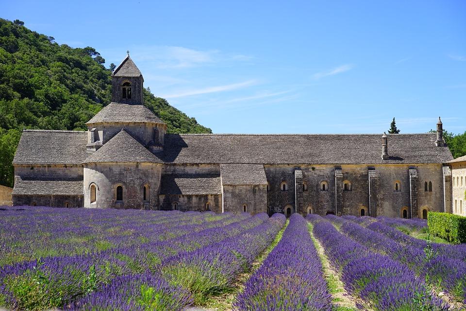 L'Abbaye cistercienne Notre-Dame de Sénanque