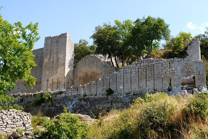 Le Fort de Buoux et le village de Buoux